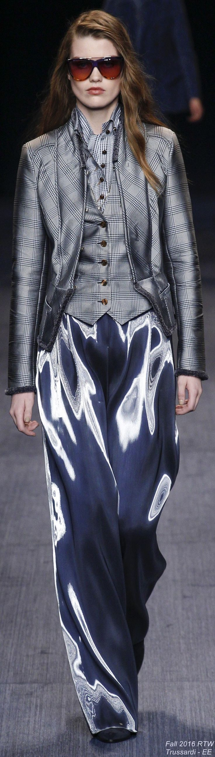 Fall 2016 Ready-to-Wear Trussardi ♦F&I♦