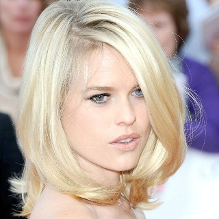 Alice Eve's bountiful bob