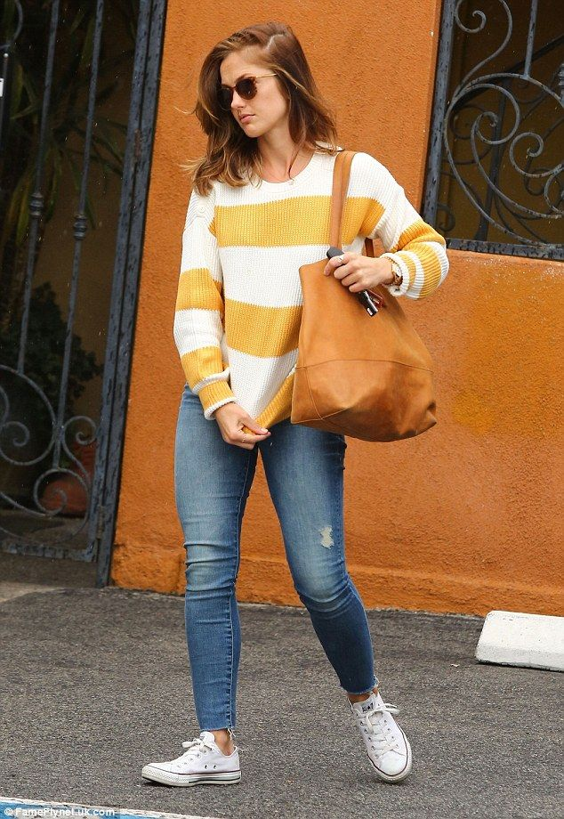 Why so shy? Minka Kellywas spotted running errands in West Hollywood, but appeared to be ...