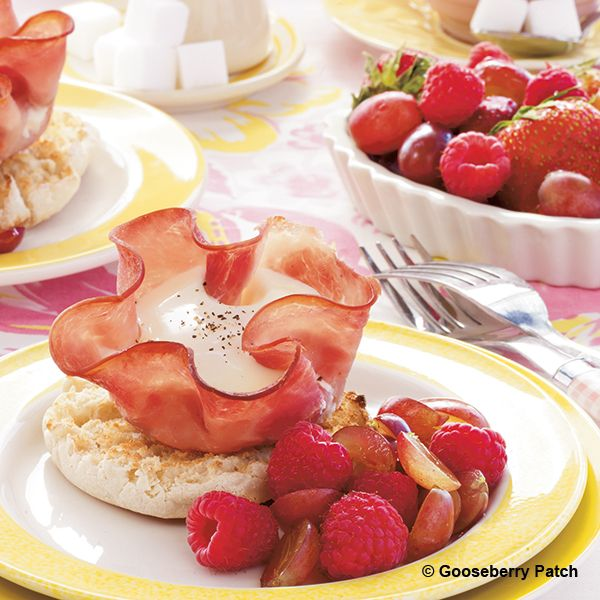 Gooseberry Patch Recipes: Maple Ham & Egg Cups from Meals in Minutes: 15, 20, 30 Minute Recipes