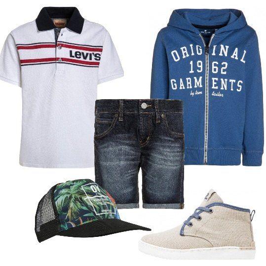 Shorts di jeans e polo white Levi's, felpa con la zip, sneakers alte in tessuto, cappellino in rete. Look perfetto per le gite fuori porta con mamma e papà.