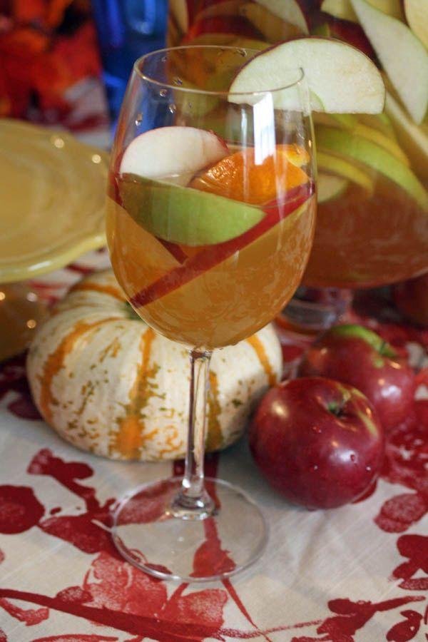 applecidersangriaglass Apple Cider Sangria
