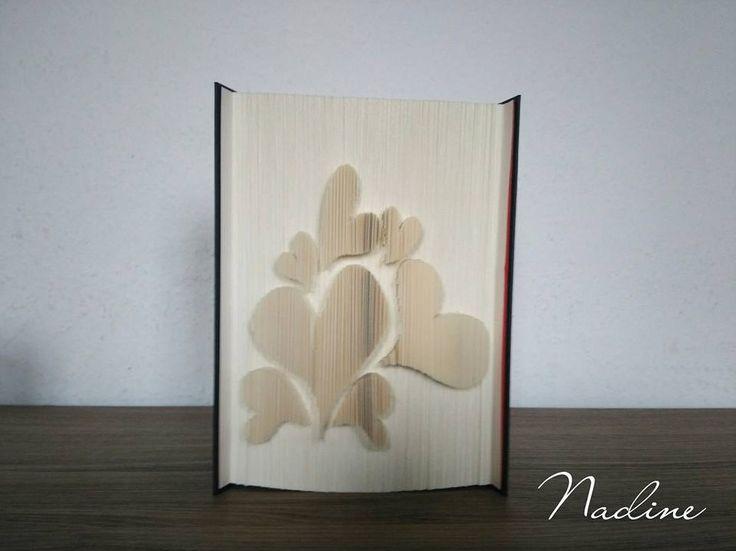 Bücher falten und schneiden > Bücher falten                                                                                                                                                                                 Mehr