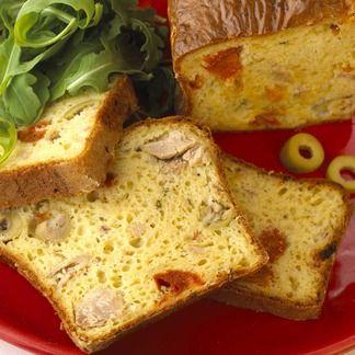 Cake laitier au thon, olives et tomates confites