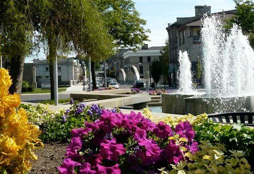 Cambridge Ontario - Queen's Square