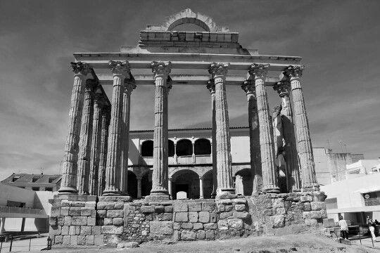- Templo de Diana , siglo l a.C. Augusta Emerita , Mérida , Badajoz , Extremadura ,España ./tcc/