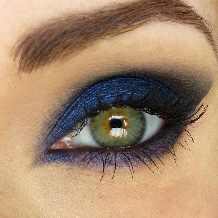 midnight blue... heavy on the lid and smudged under the eye. such a gorgeous smokey look!