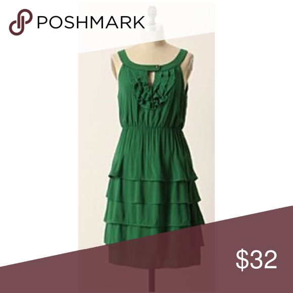 Anthropologie Maeve Kelly green dress Adorable Maeve dress from Anthropologie! EUC. Very forgiving and flattering cut. Fits TTS and can even accommodate a small 10. Anthropologie Dresses Midi