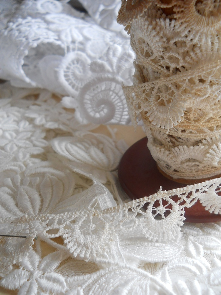 vintage lace soooo pretty  available at www.accessoriesofold.com