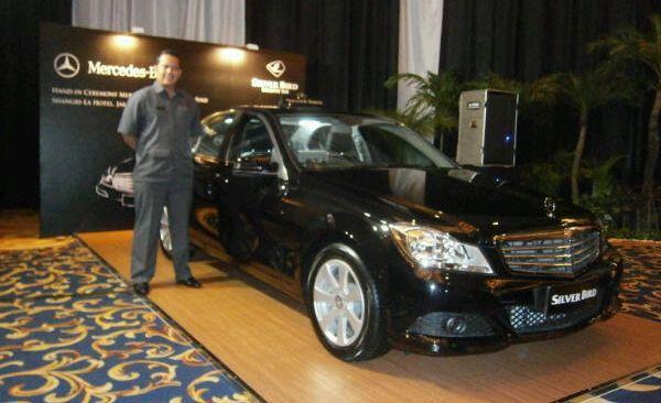 sewa rental mobil di Jakarta Depok Bogor Tangerang: Mobil Mercy E-Class & C-Class Armada Baru Silver Bird