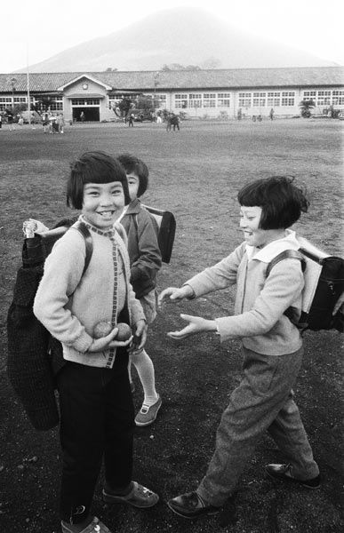 school children, 1970s 昭和の子供