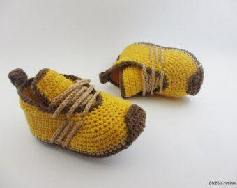 Gris de ganchillo bebé zapatillas botitas de bebé por Yunisiya