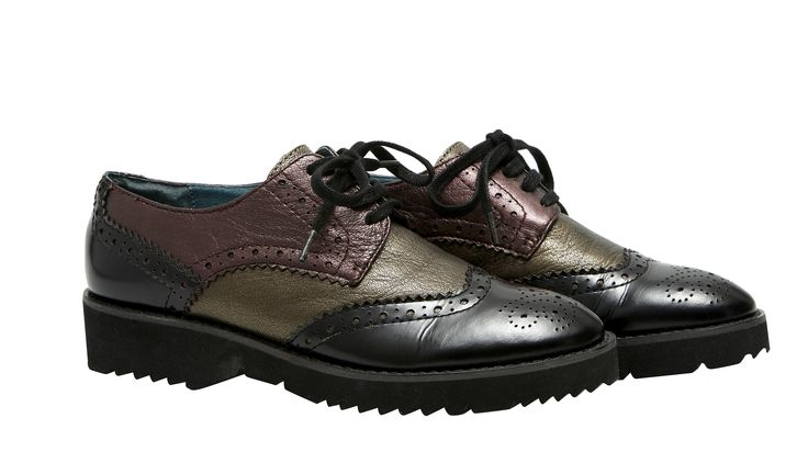 Derby IORACLE. Dessus : cuir veau nappa Première de propreté : cuir semelle : élastomère. Partenariat avec la marque KARSTON. #mode#elora#elorabygf#chaussures#derby#cuir#KARSTON#
