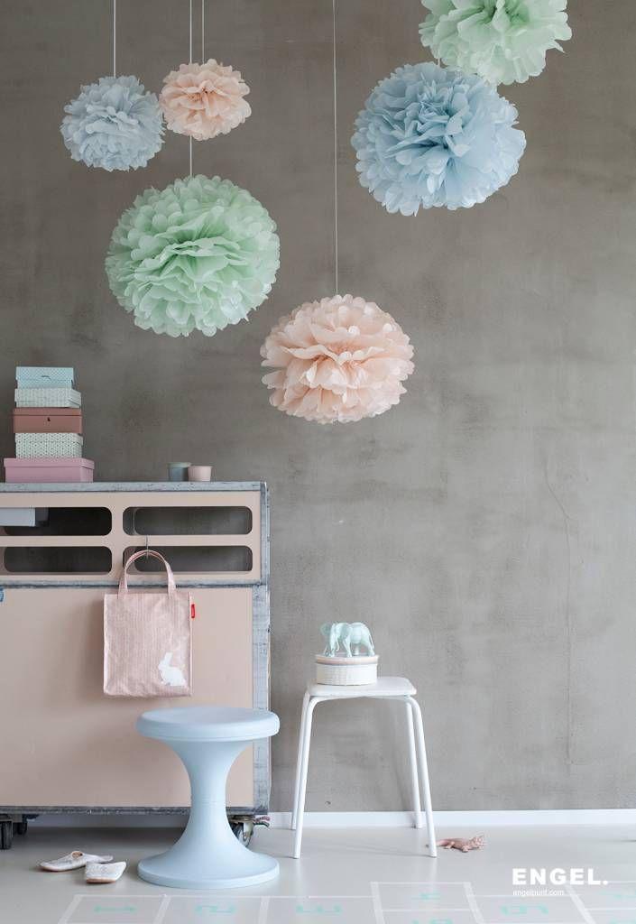 Engel Pom pastel small, set van 3 papieren pom poms 25,28,30 cm in groen, roze, blauw - wonenmetlef.nl