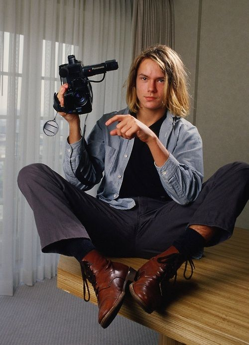 River Phoenix...I absolutely love this photo shoot. The hair, the clothes. Perfect.