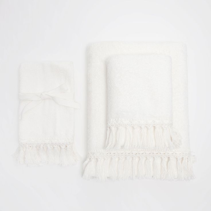 Image 1 of the product CROCHET COTTON TOWELS WITH FRINGED KNOT