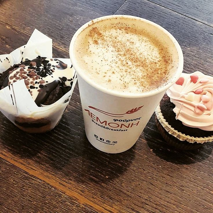 Should you go with muffin or cupcake for your cappuccino?