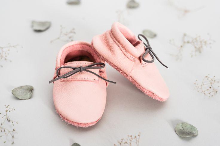 MOE štýlové kožené topánočky majú mäkkú trojvrstvovú podrážku, ktorá podporuje zdravú chôdzu Vá&…