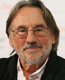 Vilmos Zsigmond, Hungarian cinematoprapher. won Oscar for the Close Encounters of the Third Kind in 1977, has 3 other Oscar nominatoins and won Lifetime Achievement Award in 1999 from the ASC in the US.