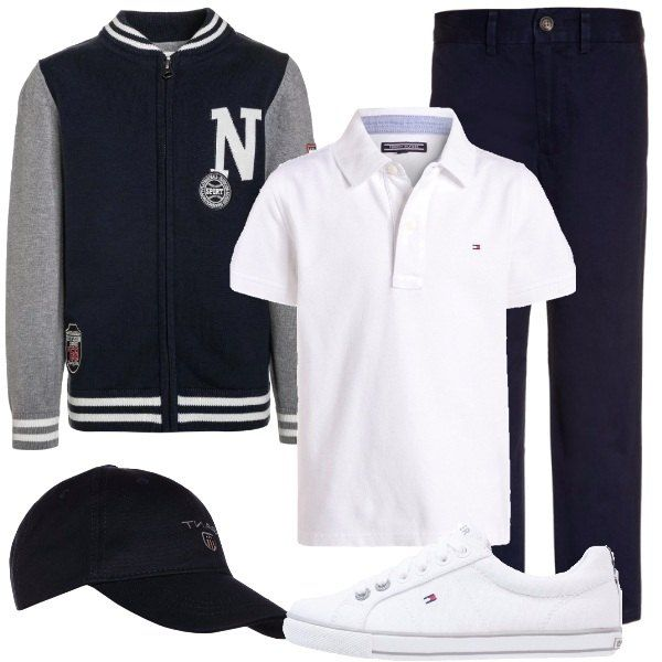 Un look composto e semplice, ma d'effetto, che vede: pantaloni blu, in puro cotone, polo bianca in cotone, cardigan stile college, in cotone, con zip, sneakers bianche e cappellino blu con visiera.