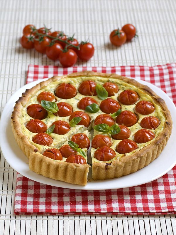 Crostata di ricotta e pomodori pachino
