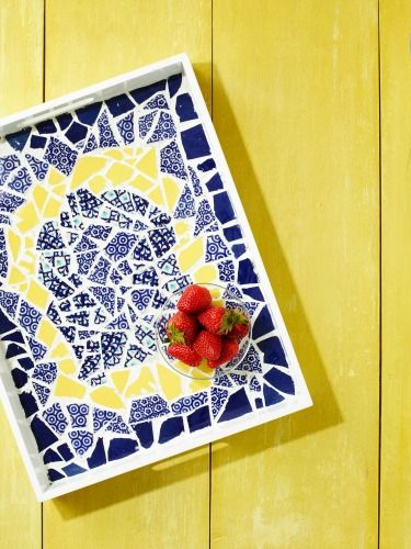 How To Make A Mosaic Tray From Broken Plates Craft Tutorials