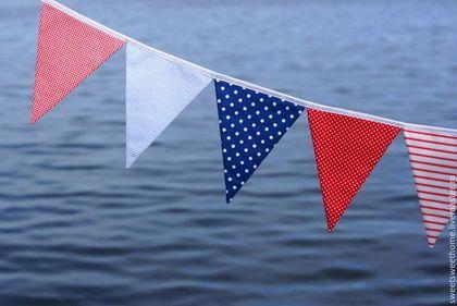 Купить или заказать Морской набор в интернет-магазине на Ярмарке Мастеров. Морской набор: Гирлянда из 10 флажков Кораблики 2 шт. Рыбы 4 шт. Можно использовать для фотосессий,для оформления дня рождения или для интерьера комнаты в морском стиле.