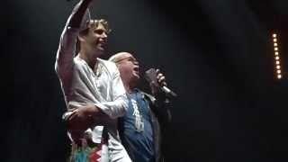 Paul de Leeuw and Mika onstage in Amsterdam 2015