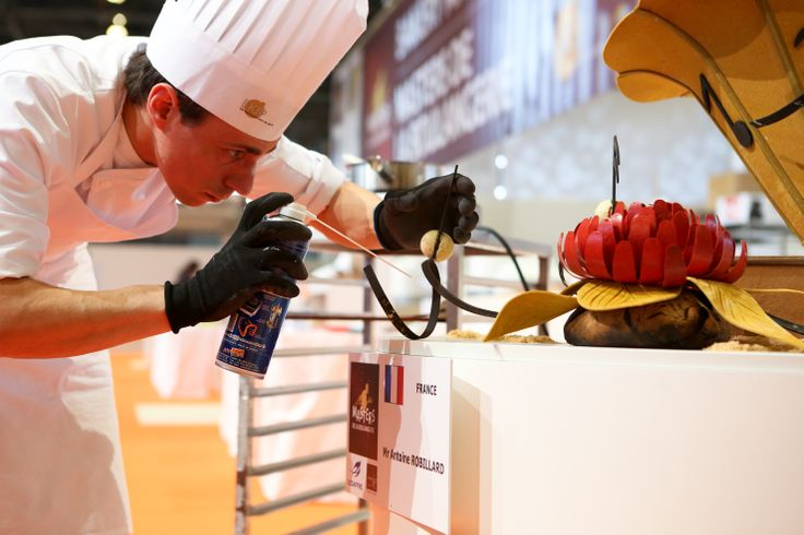WINNER / 2014 MASTER BAKER Masters de la Boulangerie 2014 – candidat de France, Antoine ROBILLARD, catégorie Pièce artistique  2014 Bakery Masters – candidate from France, Antoine ROBILLARD, Artistic piece category  Copyright Clémentine BEJAT