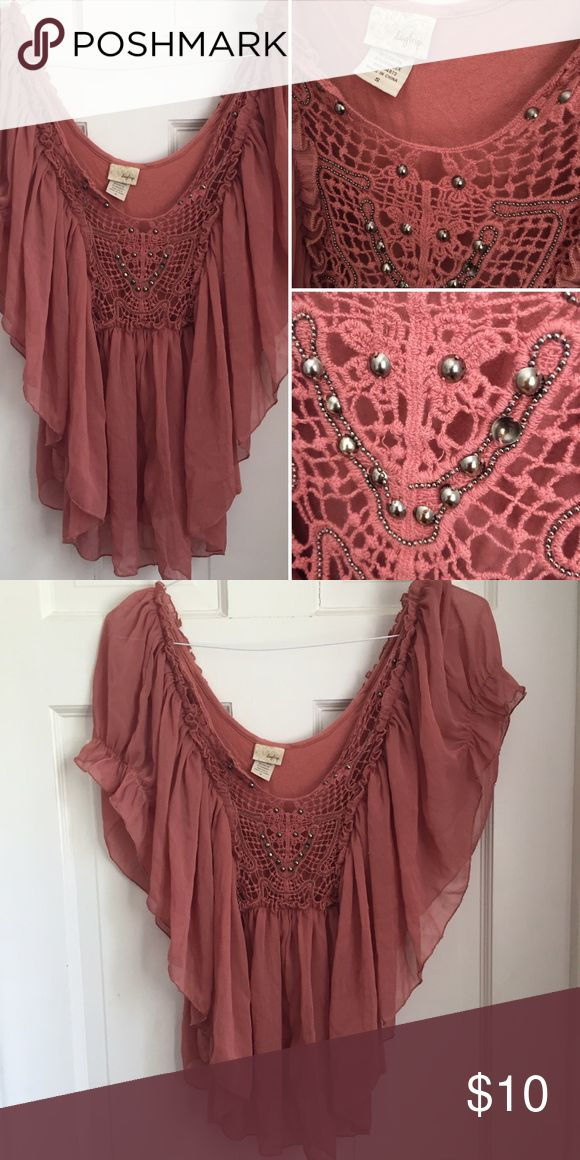 Daytrip // S dusty pink batwing top Very pretty Daytrip batwing top with crochet front and stud details. The front appears to have a part of the beading hanging a little loose, see pics. Only worn a handful of times. Daytrip Tops Blouses