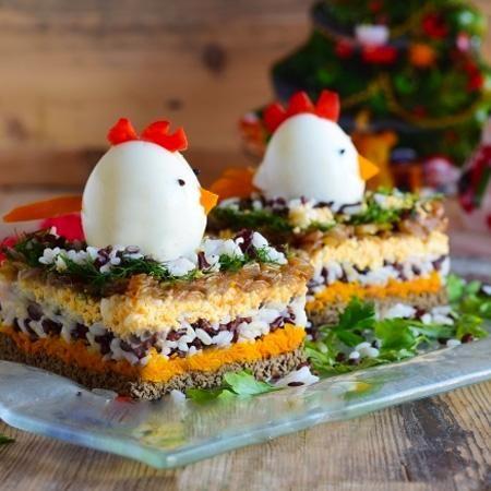 Печеночный салат Петушок