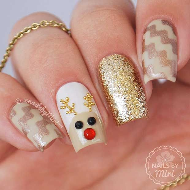 #gold #christmas #reindeer #nails #nailart