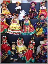 Mexican dolls representando los varios vestuarios tipicos de Mexico.