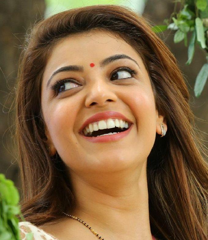 Gorgeous Indian Model Kajal Aggarwal Smiling Face Closeup Most Beautiful Bollywood Actress Beautiful Actresses Indian Actress Pics