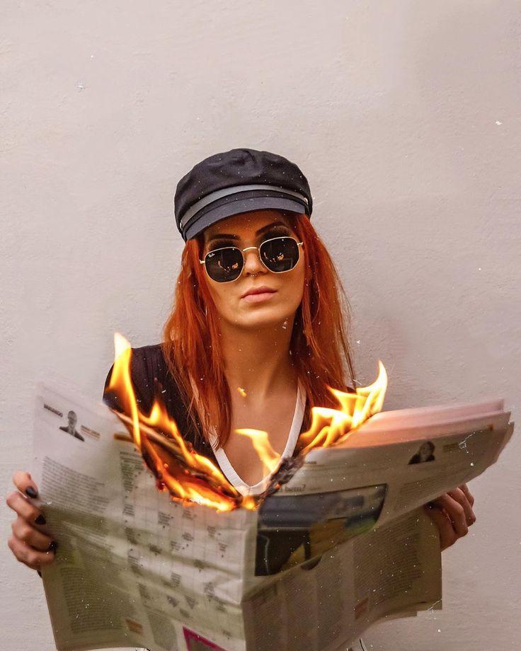 Фото с горящей книгой как сделать