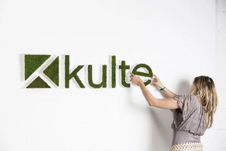 Оформление и дизайн логотипов из живых растений и декоративного мха. Декор лого суккулентами или натуральным мхом. Объемные буквы на праздник.