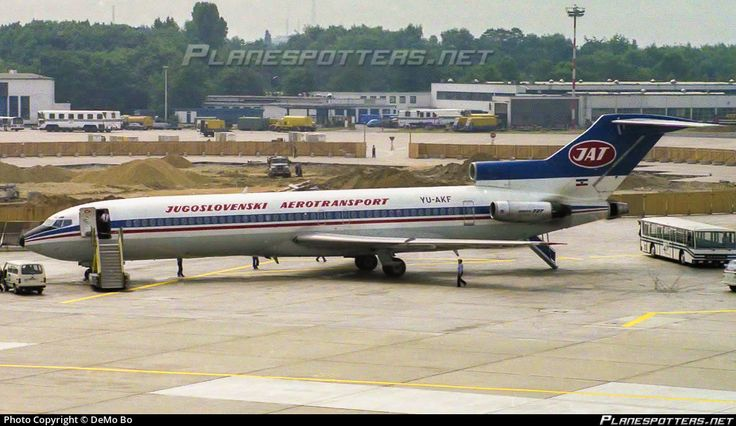 YU-AKF JAT Yugoslav Airlines Boeing 727-2H9(A) photographed at Dusseldorf Rhein-Ruhr International (DUS / EDDL) by DeMo Bo