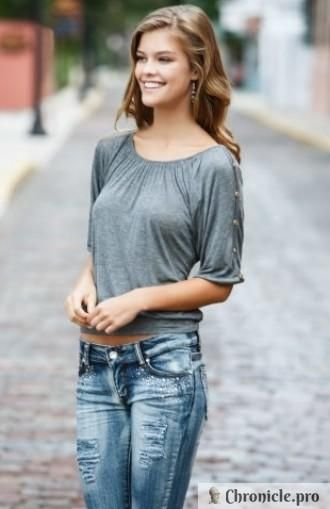 21-летняя секс-бомба – новая подружка 39-летнего Леонардо Ди Каприо,Нина Агдал – голландская топ-модель, среди ее бывших бойфрендов музыкант из группы Thе Wanted Макс Джордж, а также певец Адам Ливайн.