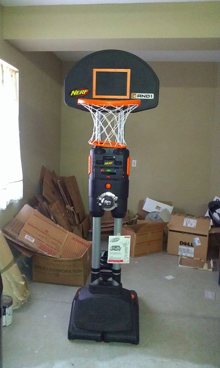 Buddy 39 s garage game basketball games and indoor basketball for Basketball hoop inside garage