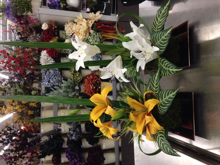 These were totally copied from the incredible Andi, another Michaels florist. Thanks, Andi!
