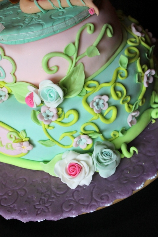 Zucchero in festa!: Torta winx - Flora la fata della natura
