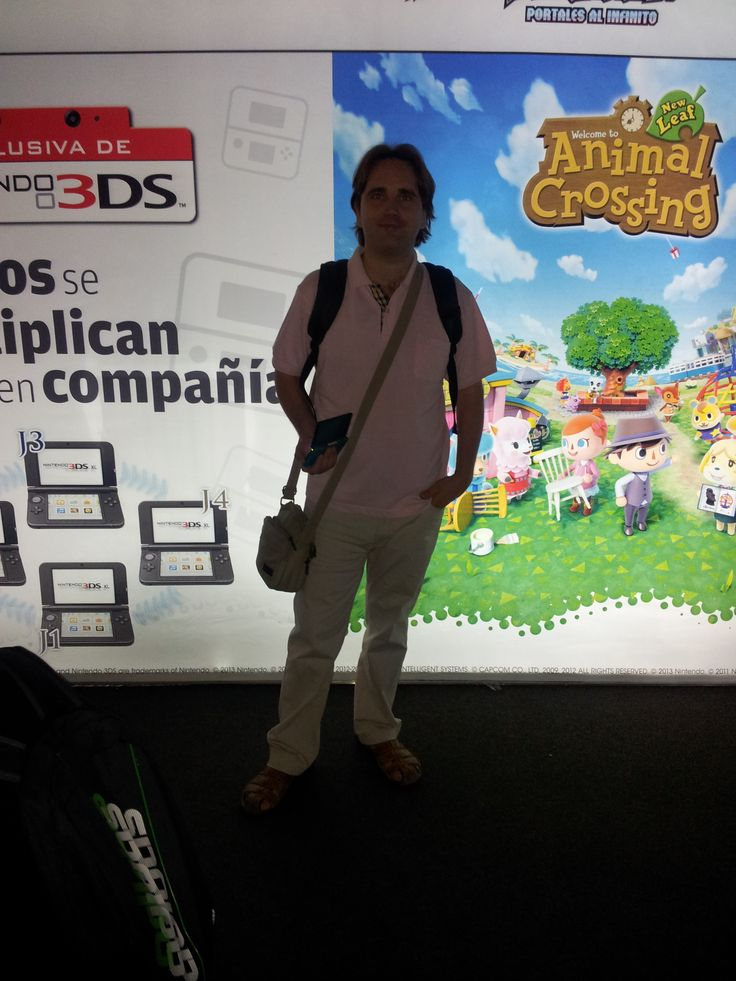 Raúl in the Nintendo stand