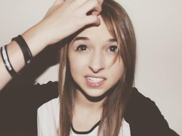 Jenn, star 18enne di Youtube:  «Non mi serve un lavoro (vero)».. http://goo.gl/T4uFHn