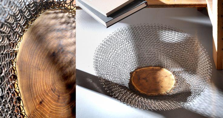 """misa z plastrem akacji.  Na bazie akacjowego plastra uplotłam z drutu stalowego """"boki"""" misy. Świetna na owoce.Więcej zobaczcie na www.dedeca.pl"""