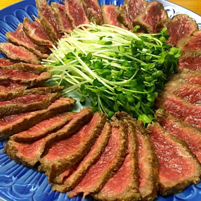 レシピとお料理がひらめくSnapDish - 15件のもぐもぐ - 牛肉のたたき Beef Tataki by Junya Tanaka