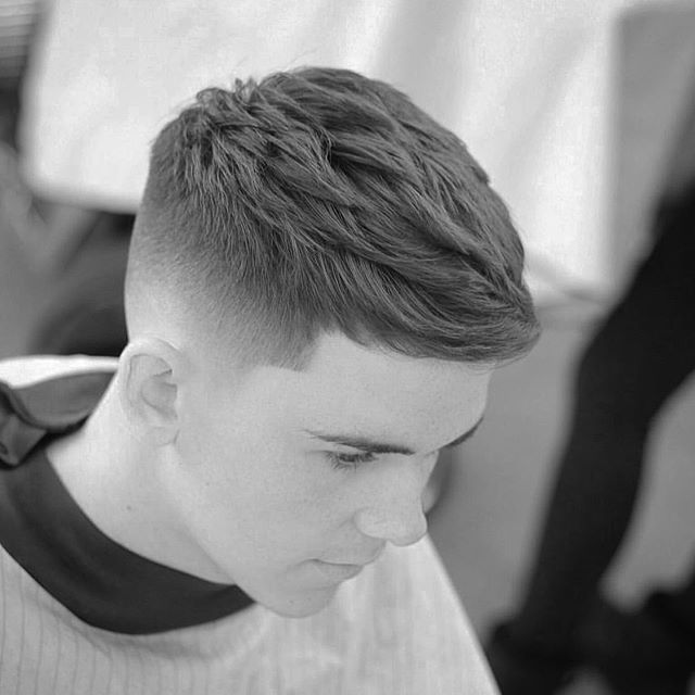 29 Kahle Haarschnitte Fur Manner 2020 In 2020 Haarschnitt Haarschnitt Manner Mannerhaar