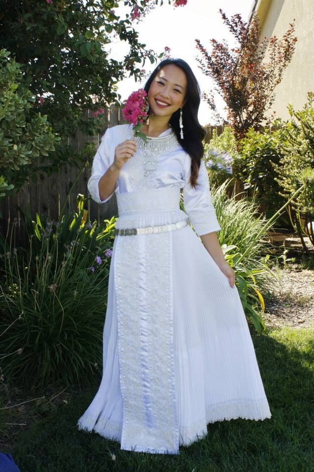 95 Best Hmong Images On Pinterest Hmong People Short Wedding Gowns And Wedding Frocks