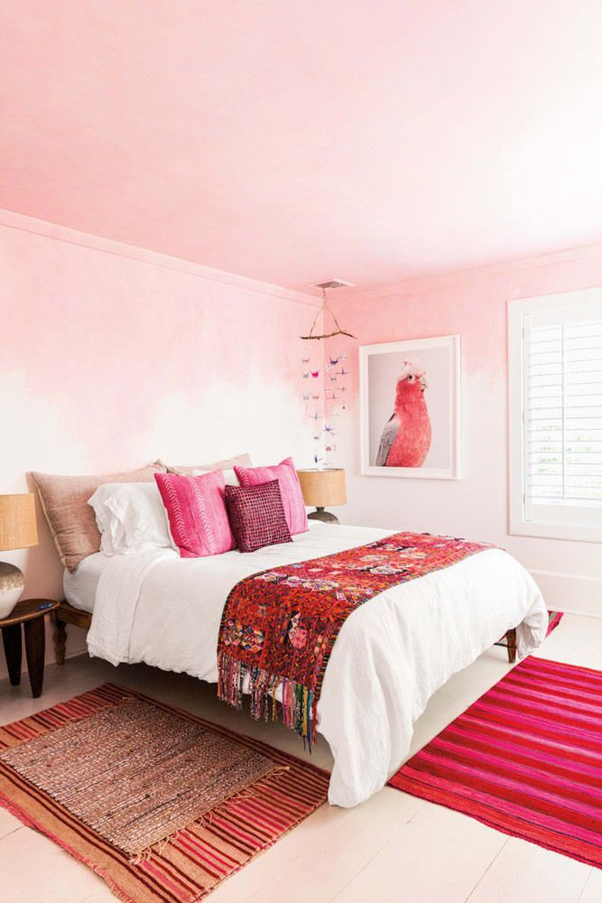 Laura Grabe Comfortable Connecticut Beachside Home Tour Pink