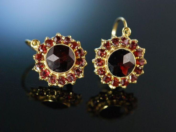 Garnet earrings! Schön zur Tracht! Ohrringe Gold 333 Granate München um 1990 zu Tracht und Dirndl, Granatschmuck bei Die Halsbandaffaire