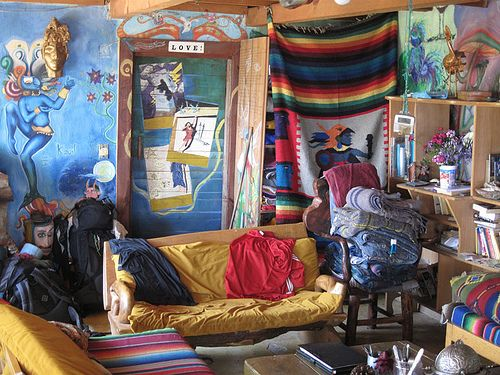 Hippy house hippie room pinterest house living for Hippie living room ideas